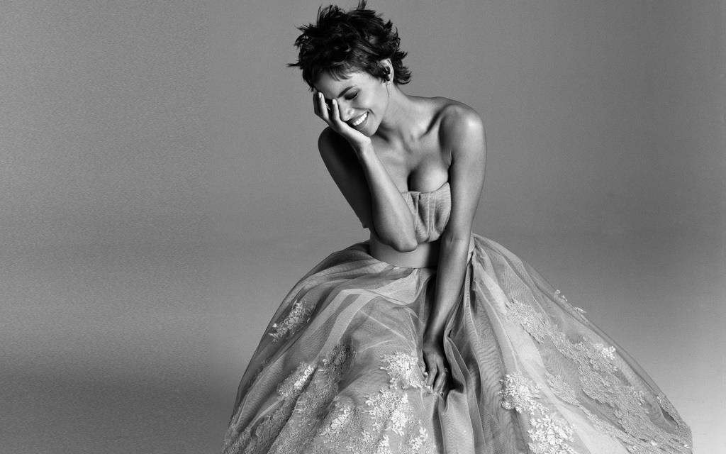 Halle Berry 2013 black and white