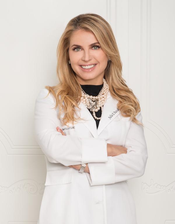 Dr. Julie Russak Headshot