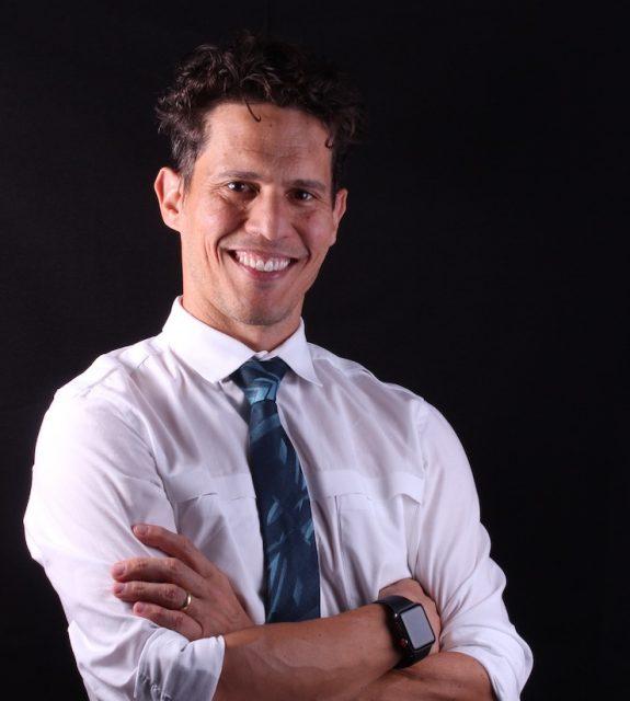 Dr. Roberto Macedo