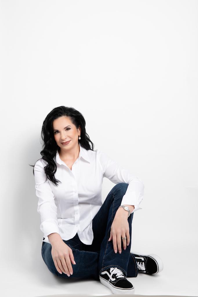 Dr. Alina Sholar