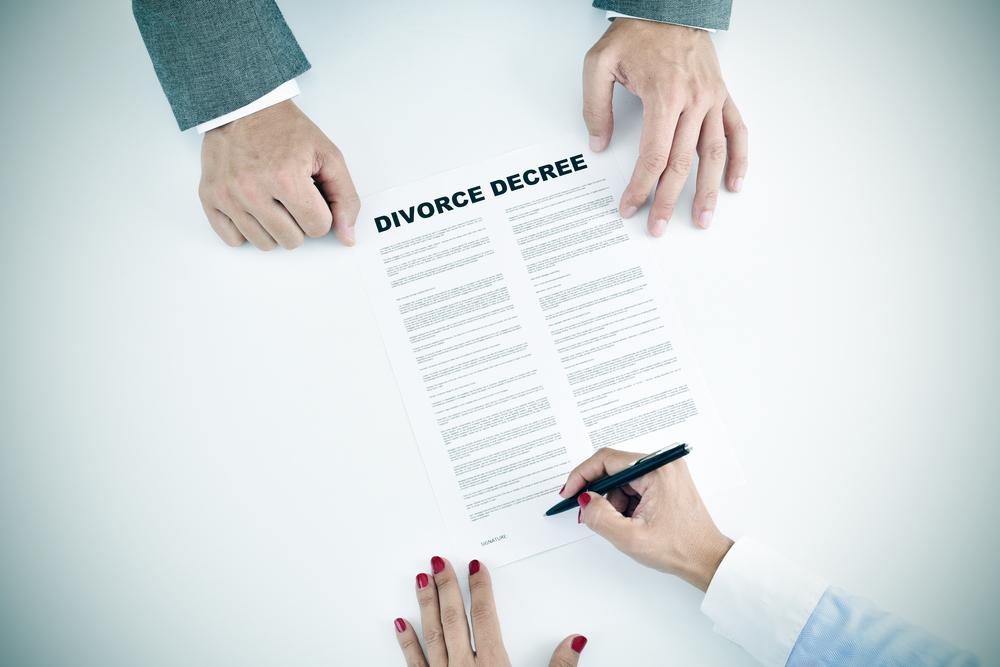 divorce - used Mar2020 - shutterstock_326996474