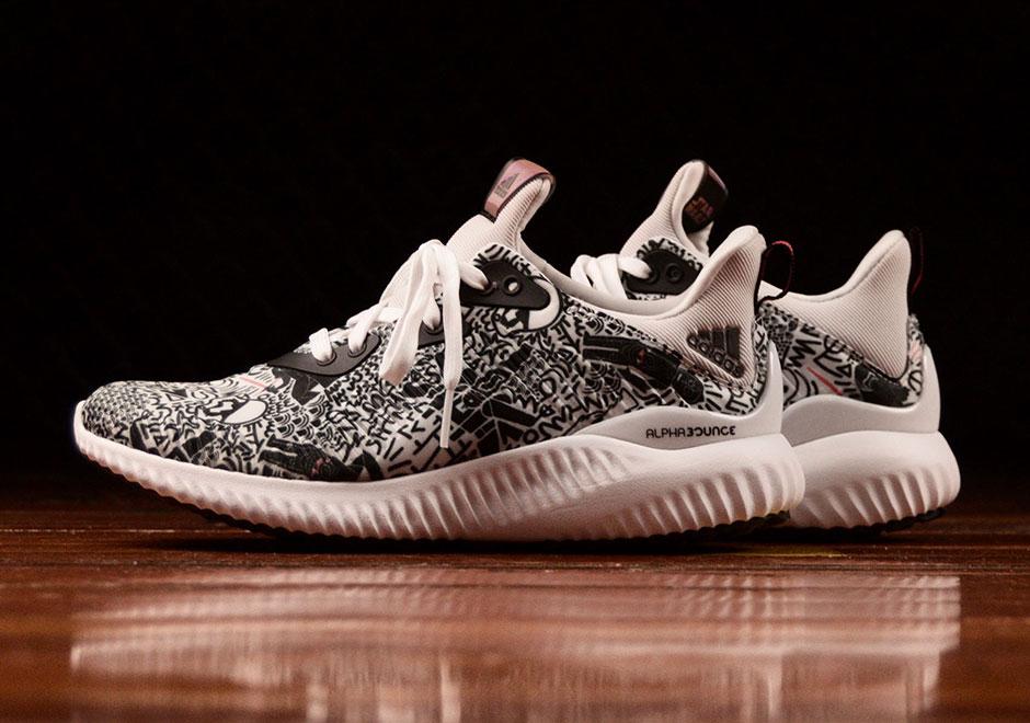 Stars-Adidas-1 Star Wars Sneakers!