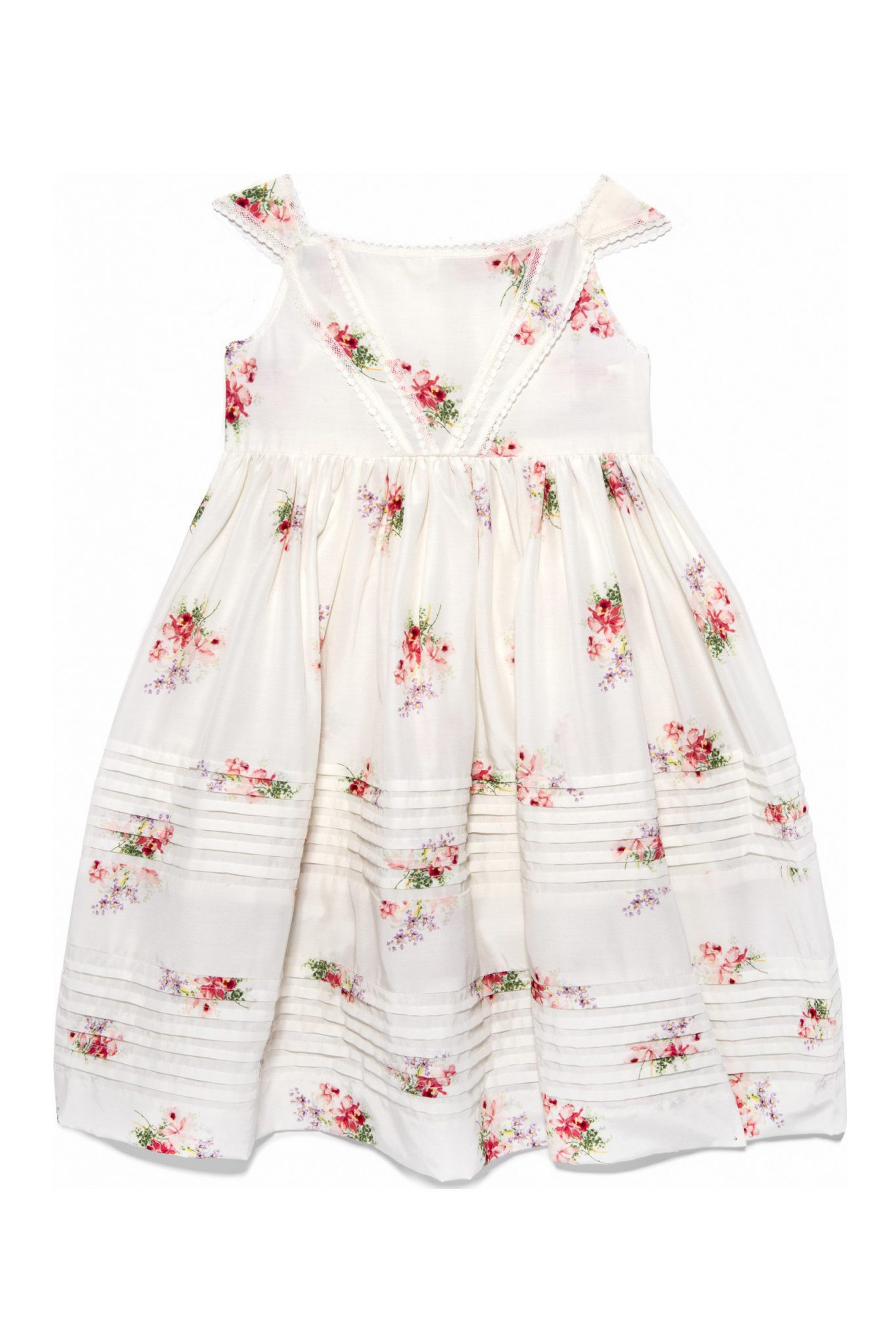 los-encajeros 10 Summer Wedding Dresses Fit For A Flower Girl