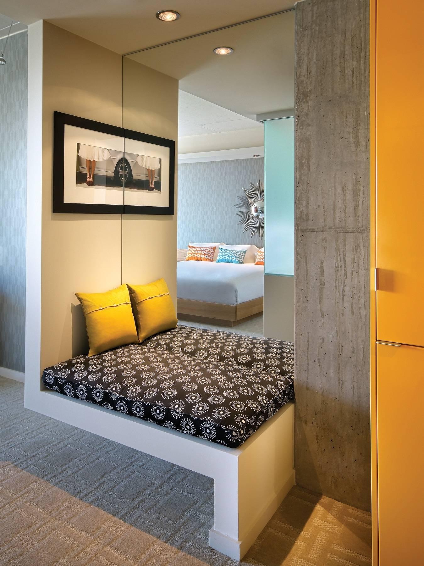 HotelValleyHo_Bedroom Bench