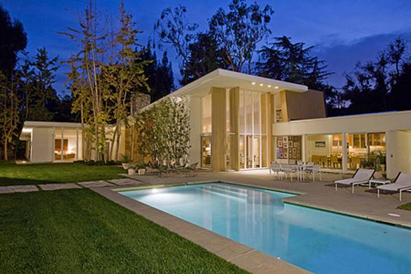 Linda may presents 18 9 million holmby hills estate for Dream homes for sale in california