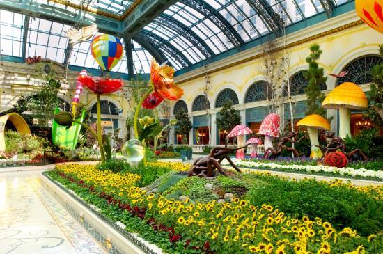 April Showers Bring May Flowers The Haute 5 Parks And Gardens In Las Vegas Haute Living