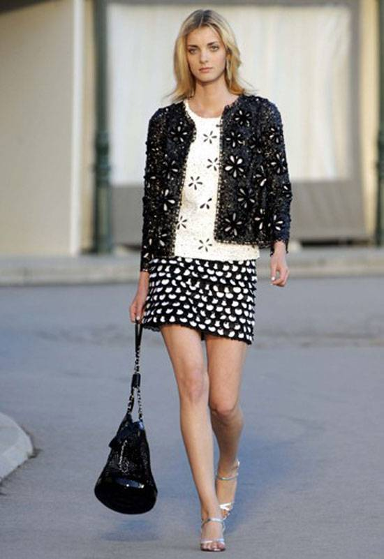 Chanel Presents 2011 Cruise Collection in St. Tropez ...