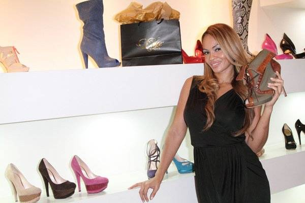 evelyn-lozada-awesome-shoes