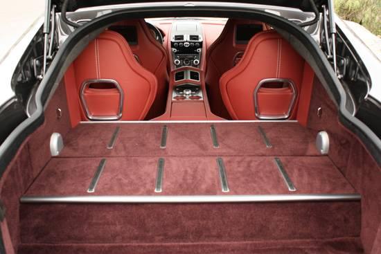 AstonMartin-Rapide-trunk
