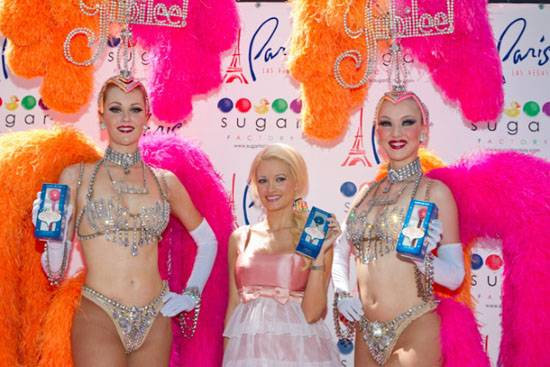 Holly Madison and Jubilee Showgirls with Sugar Factory Vegas Couture Pops (Erik Kabik)