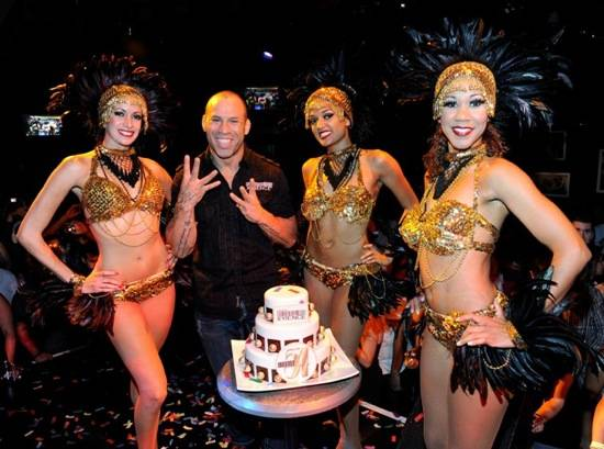Wanderlei celebrates with the 54 Girls