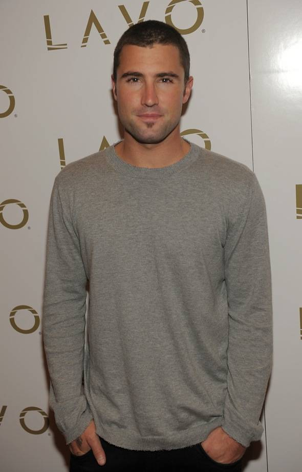 97729381DT019_Brody_Jenner_