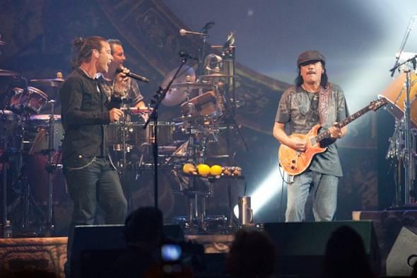 Gavin Rossdale and Carlos Santana performing at The Joint- credit Erik Kabik RETNA erikkabik.com