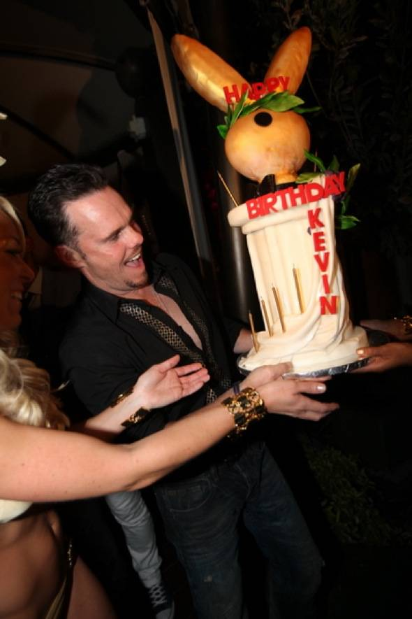 Kevin Dillon, birthday cake2