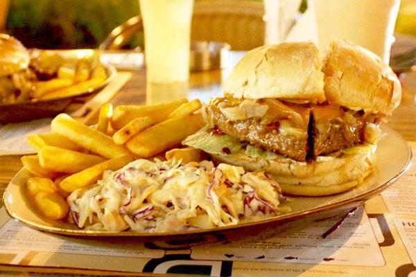 Johnny Rockets Burger Dubai