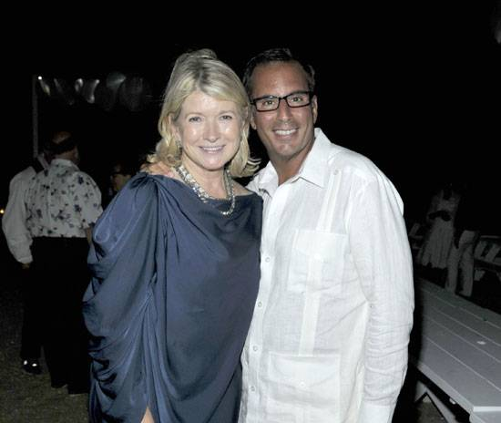 20 Martha Stewart And Her Good Friend Home Fragrance Entrepreneur Harry Slatkin Celebrated Their Birthdays Together Outside On The Sand At Navy Beach