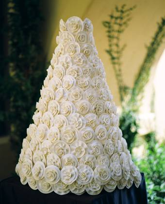 Julia-Baker-Confections-Valentino-Cake