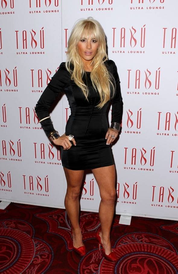 Shayne Lamas on the carpet at Tabú Ultra Lounge