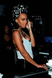 Solange Knowles Spinning