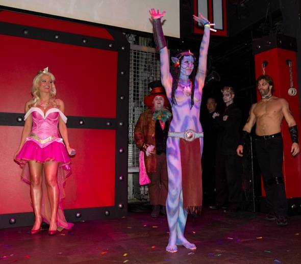 Holly Madison Hosts Most Original Costume Contest with Avatar Contestant at Studio 54