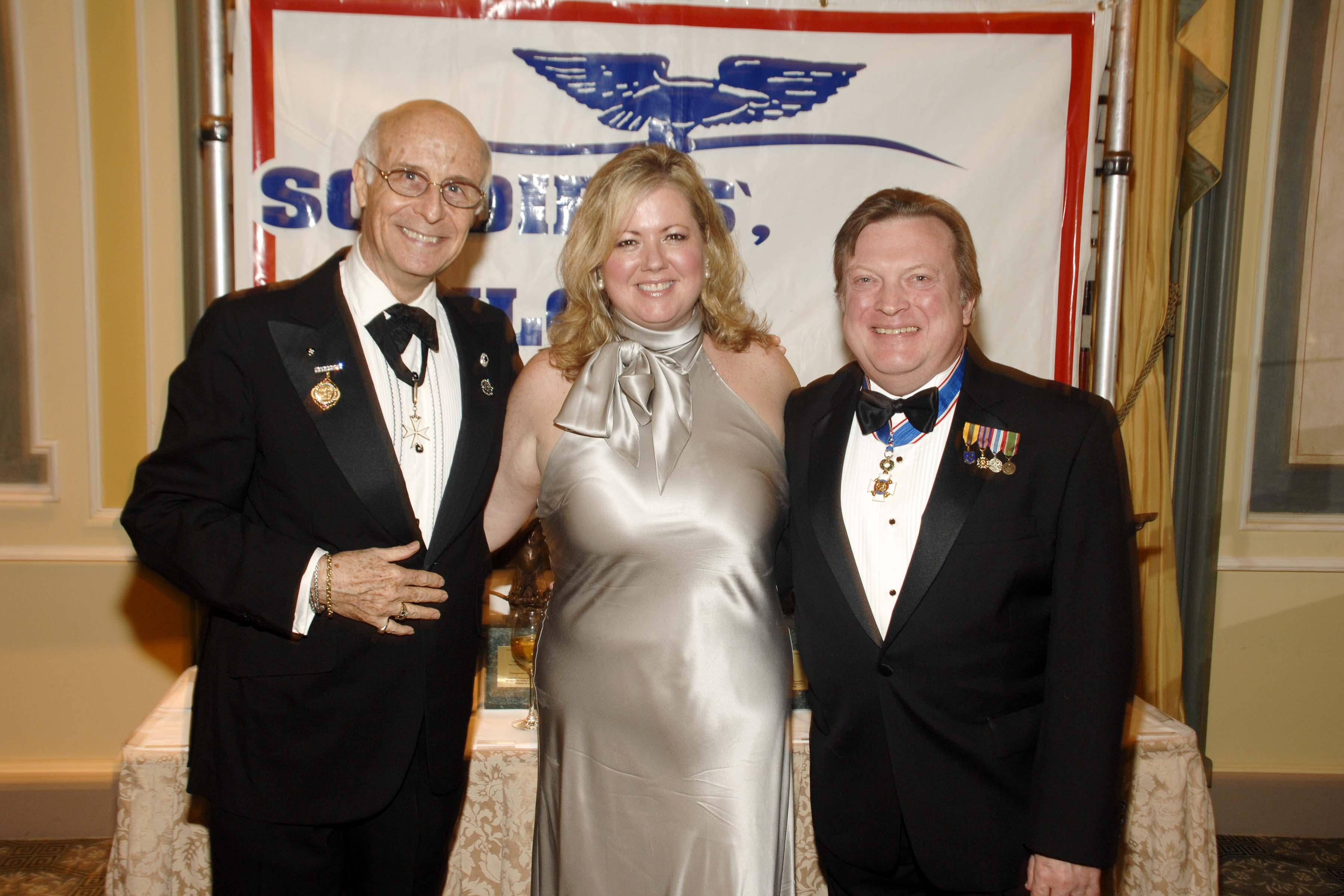 L to R Rick Perkins, Sherry Laue and Bruce Laue