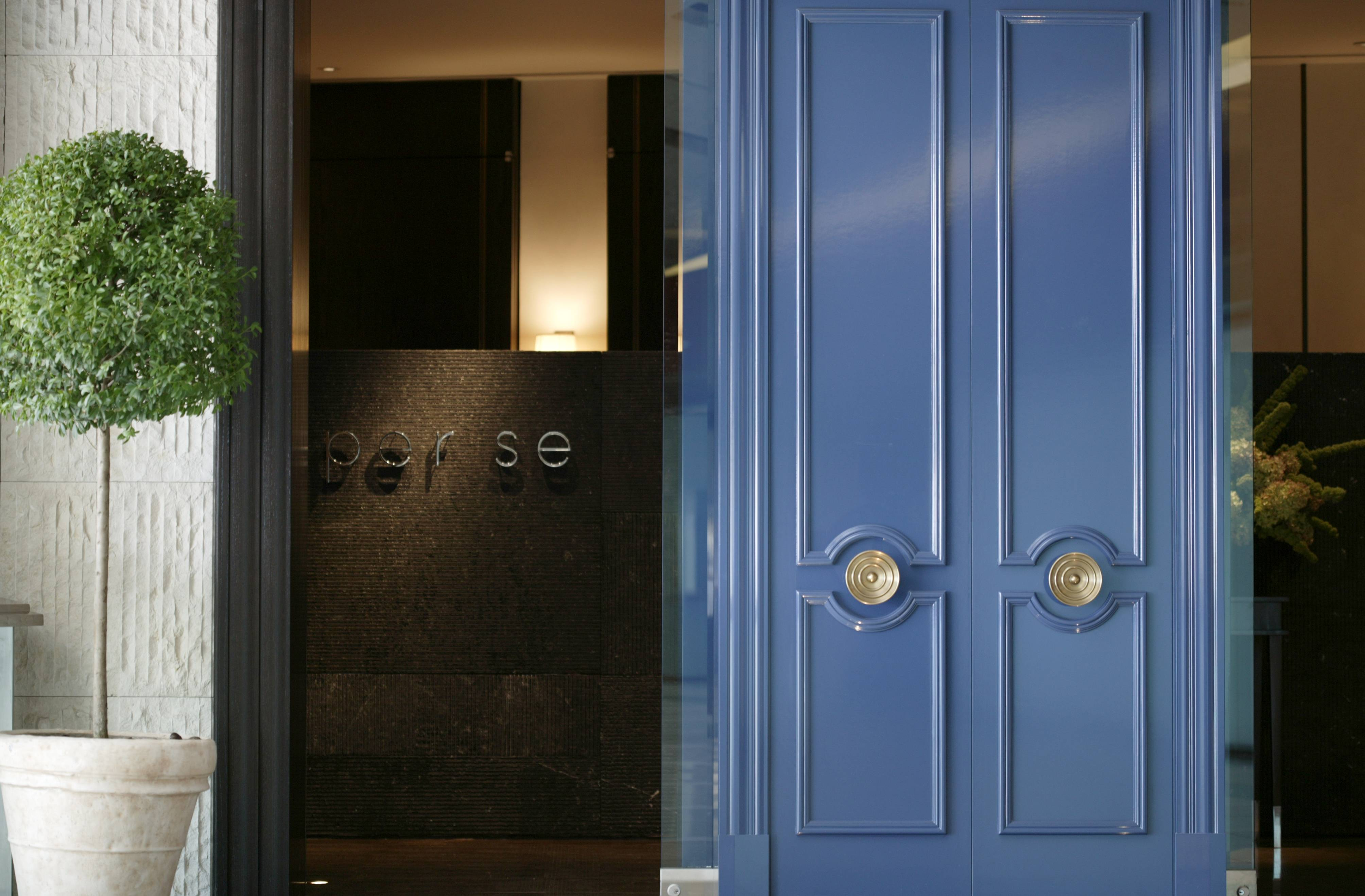 Per Se Entrance Blue Doors