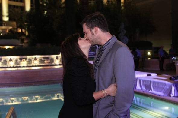 Tiffani Thiessen kissing Brady Smith Close up