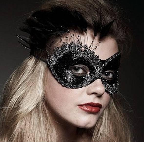 girl-in-mask