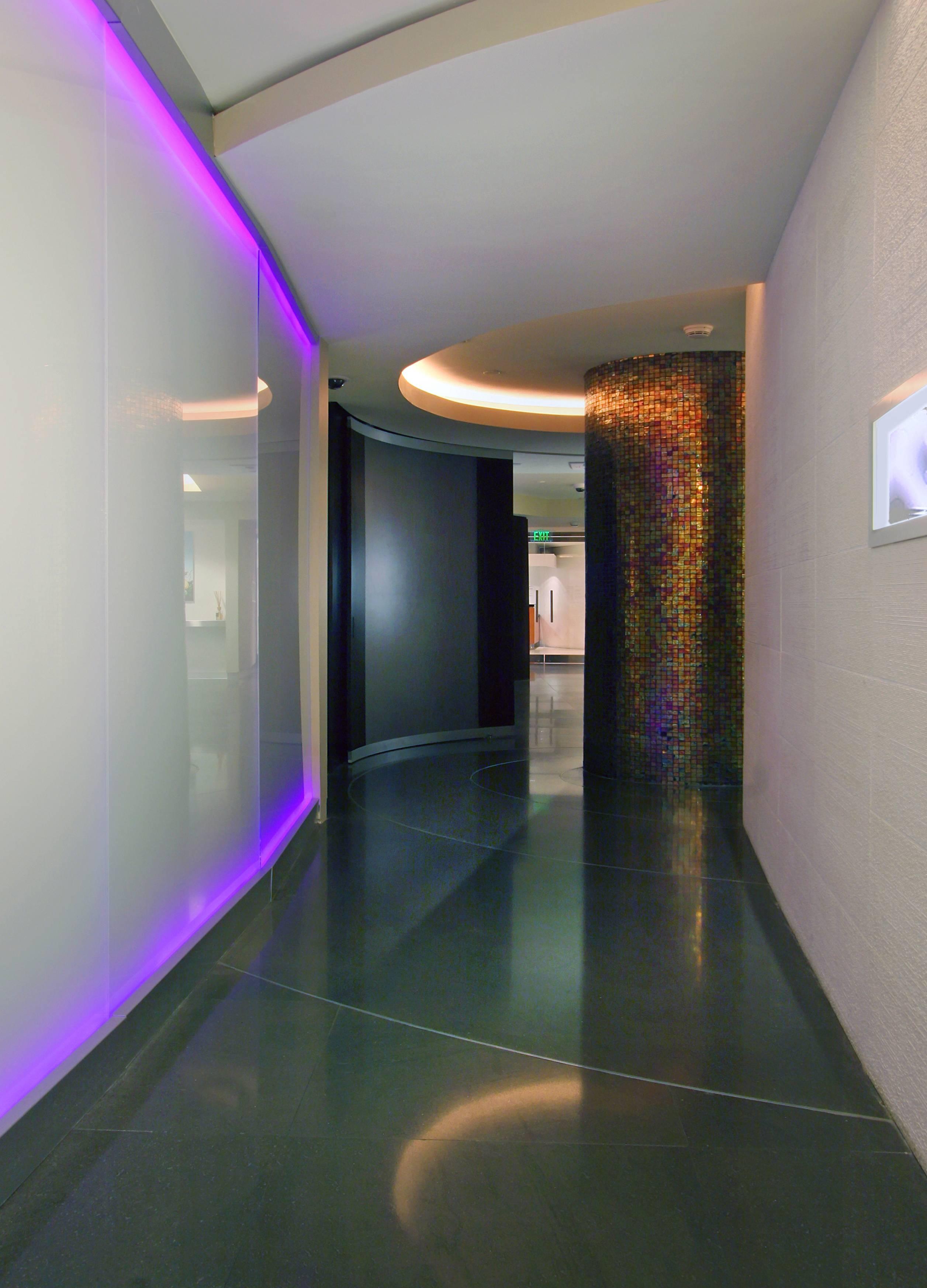Corridor at node towards entry