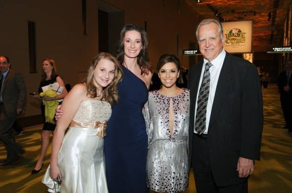Eva Longoria-Parker with Dr. John Ruckdeschel, wife Angela and daughter at Nevada Cancer Institute's Rock for the Cure Las Vegas, 11.11.10