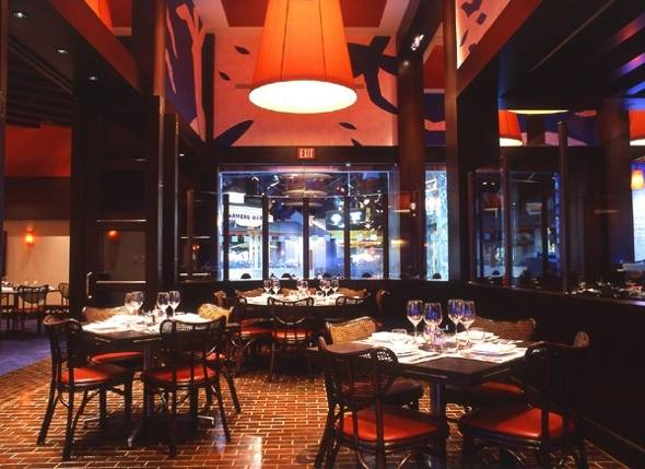 In the raw the top 5 raw bars in las vegas haute living for Fish restaurant mgm