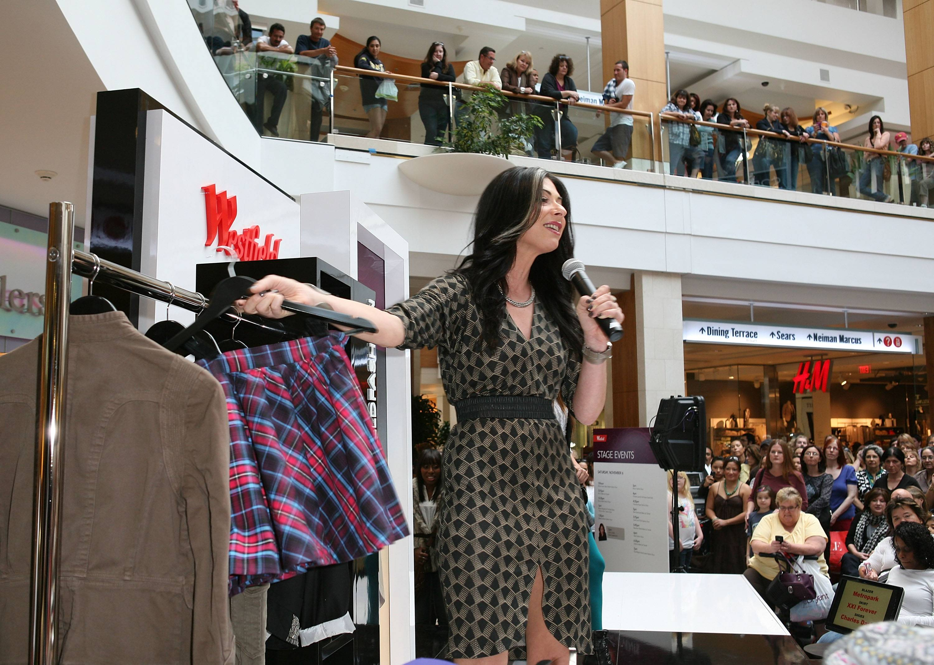 Stacy London gives a special fashion showcase at the Westfield Style Tour at Westfield Topanga 11.6.10 3 (c) Ryan Miller Capture Imaging