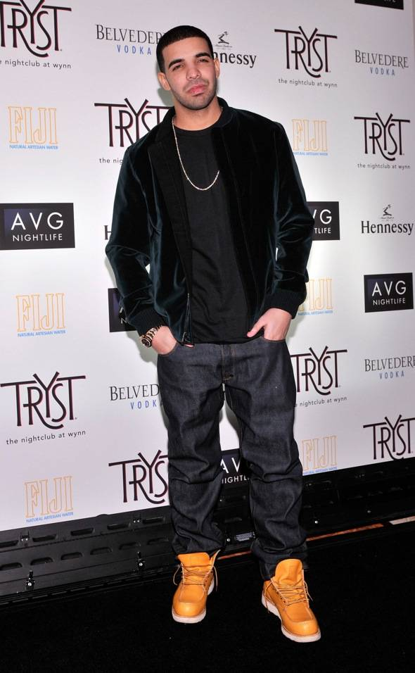 Tryst - Drake - red carpet 3