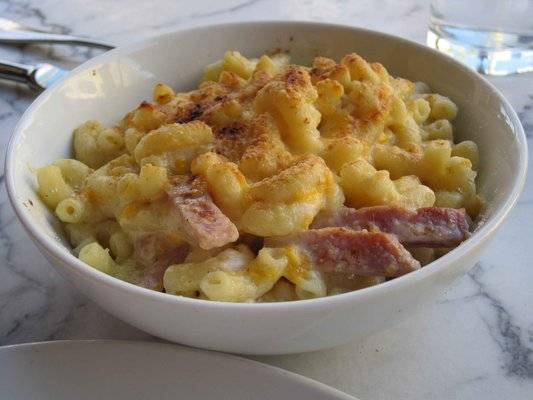 Zinc-Bistro-mac-and-cheese