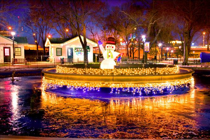 franklin-square-holiday-lights