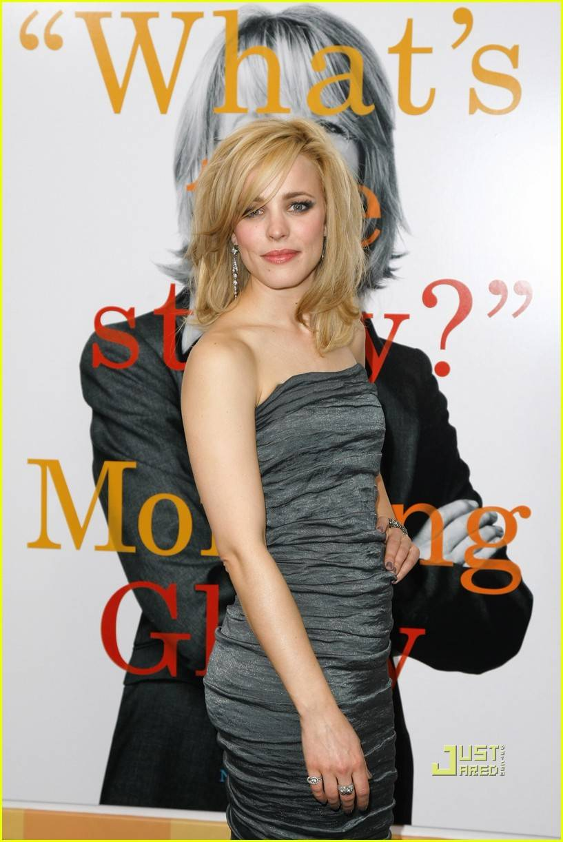 rachel-mcadams-morning-glory-nyc-premiere-03