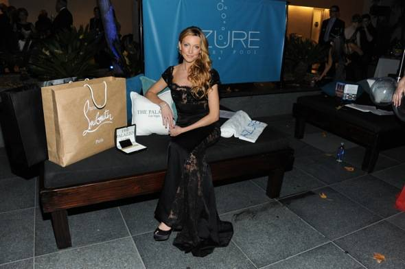 Gossip Girl Katie Cassidy at The Palazzo Las Vegas transforms the Hollywood Style Awards