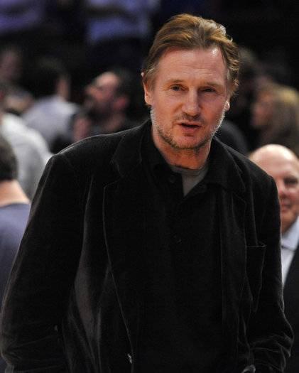 Heat_Knicks_Basketball_standalone_prod_affiliate_138