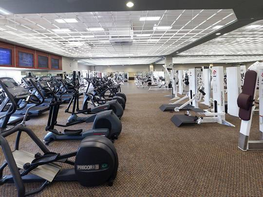 Work it out the top 5 fitness clubs in phoenix haute living for Gym life fitness