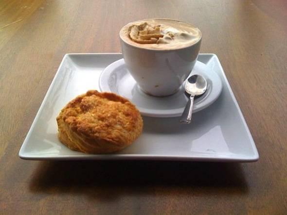 Lola-Coffee-Cafe-Borgia-Almond-Scone