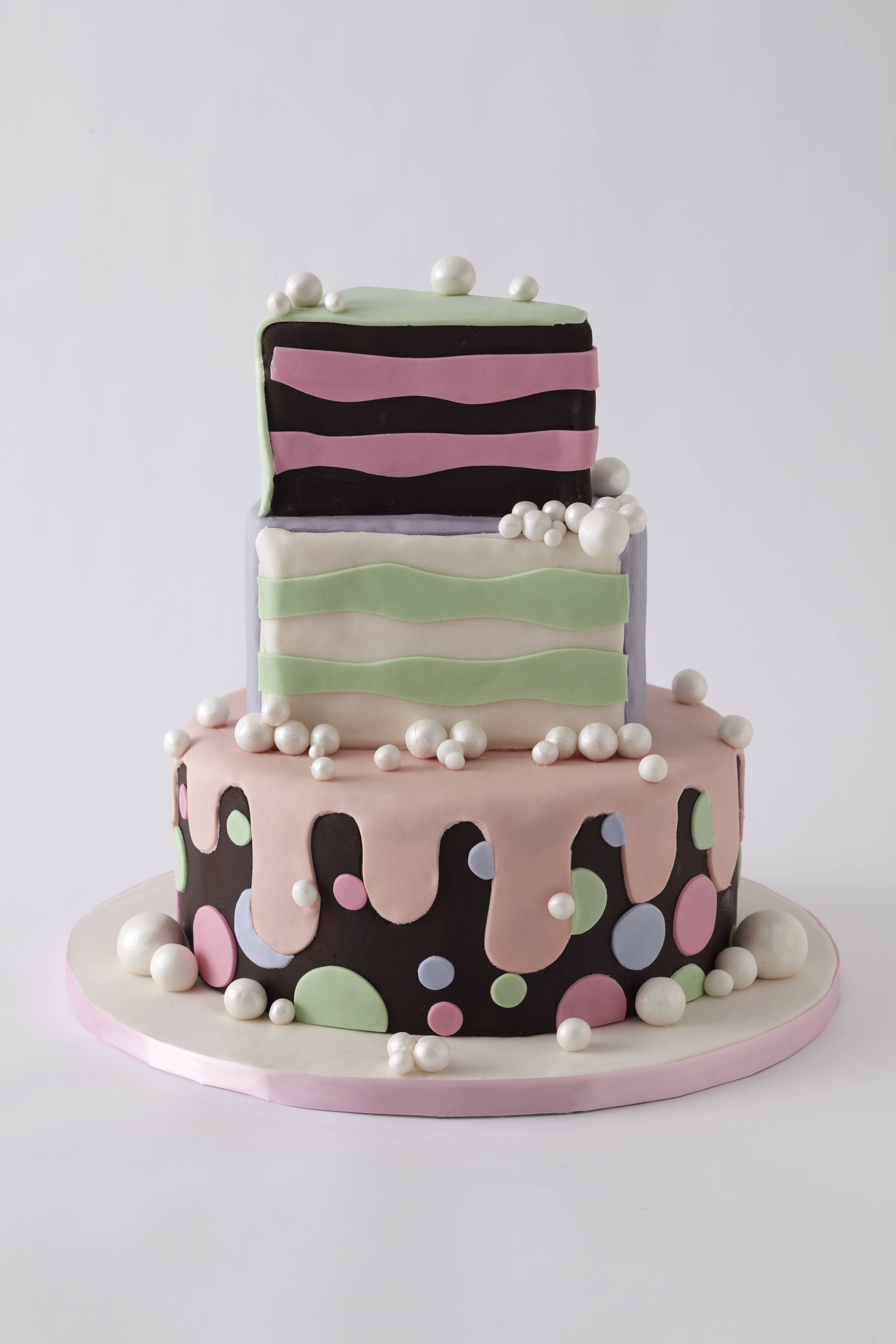 Lulu Celebratory Cake 4