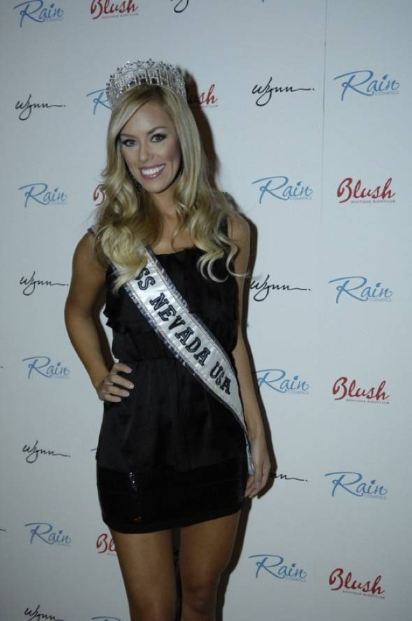 Miss Nevada Sarah Chapman at Blush