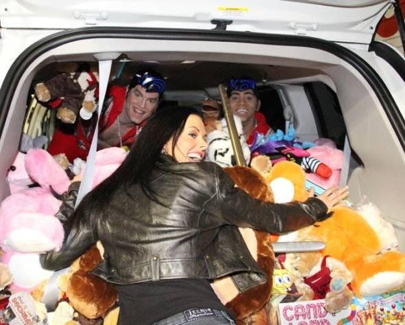 Viva ELVIS & Fantasy at KLUC Toy Drive