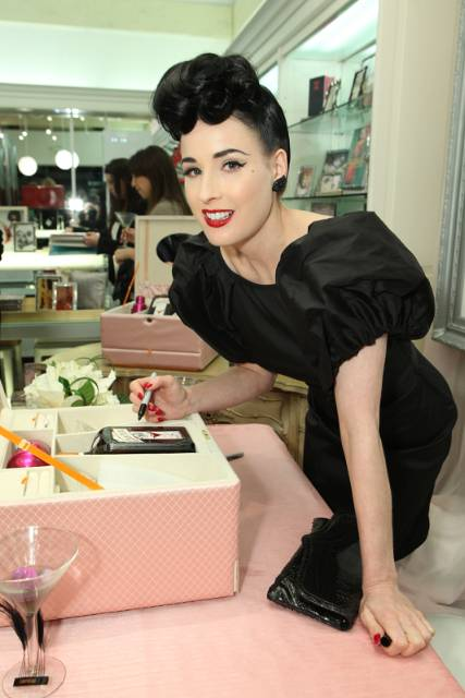 dita with coffret
