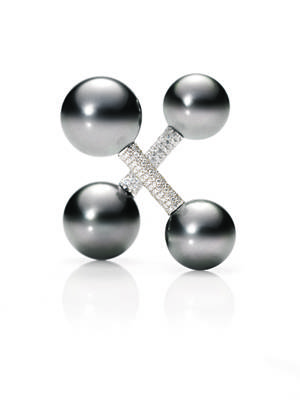 124944 – Tahitian cultured pearl and pave diamond barbell cufflinks