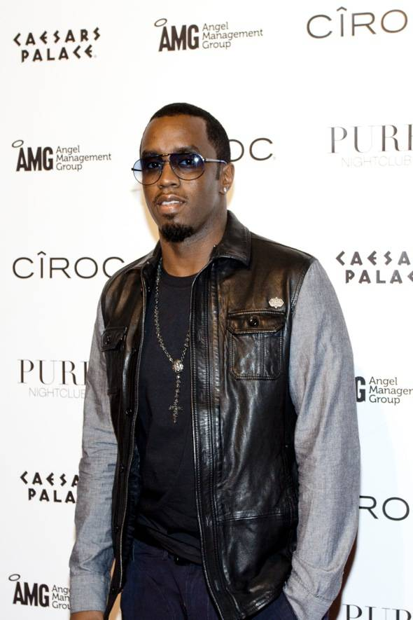 Diddy_PURE Nightclub_red carpet