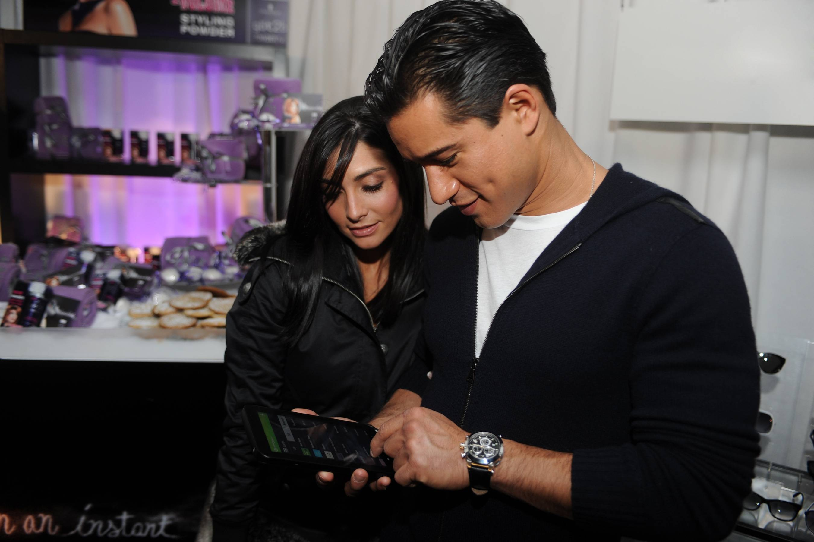 Mario Lopez & Courtney Mazza 1[25]