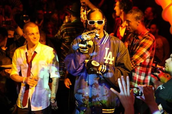 Ryan Sheckler and Snoop Dogg at Moon Nighclub_Credit Joe Fury_9 Group