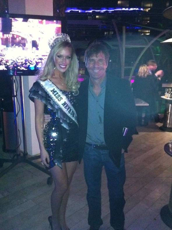 Skybar_Hard Rock Hotel Vegas_Miss NV_Dennis Quaid