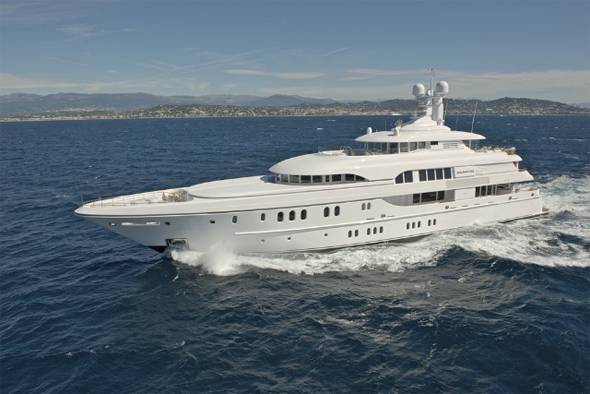 solemates_luxury_yacht